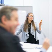 Präsentations-Coaching von Professionaler Trainerin, Power Point, Flipchart, Körpersprache, Public Speaking, Workshops, Deutsch/Englisch